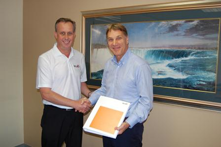 Andreas Jost (right), head of the New Markets Europe division of Belimo, welcomes Johan van der Vyver to the Belimo family. Van der Vyver heads up Belimo's southern Africa division.